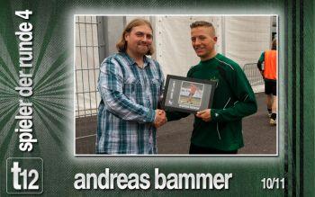 Christian Hummer überreicht Andras Bammer die Auszeichnung