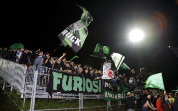 Innsbruck Fans feiern in Wien